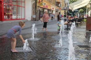 Zile caniculare peste Oradea şi judeţul Bihor - Unde puteți cere apă și ajutor