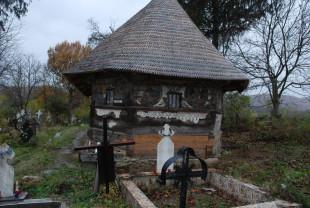 Campanie de strângere de fonduri pentru salvarea unei fresce unice - Biserica de lemn din Urşi