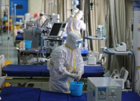 Virusul poate fi oprit, dar experţii trebuie să explice măsurile - Carantina în case să fie evitată