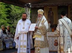 Preafericitul Patriarh Daniel a târnosit noua biserică a mănăstirii Izbuc!