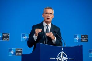Secretarul general al NATO solicită o pauză umanitară a luptelor - Covid-19 stopează războiul