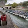 """Locuitorii metropolei franceze sunt oripilaţi de """"urinoris"""" - Indignare la Paris"""